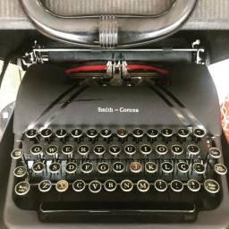 Antiga Máquina de Escrever Smith - Corona