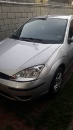 Ford Focus 1.6 Hatch completo