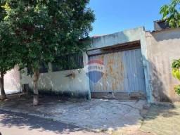 Casa com 3 dormitórios para alugar, 120 m² por R$ 750,00/mês - Conjunto Habitacional Jardi