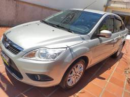 Focus Sedan 2.0 mecanico 2013 completo