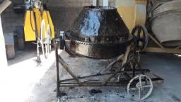 Betoneira 400 litros usada