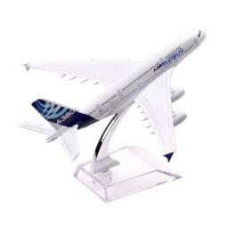 Miniatura Maquete Avião Metal Boeing Airbus A380 Modelos 14x15 Cm Decoração