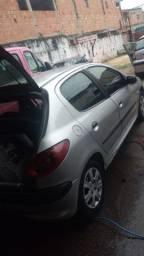 vendo  carro Peugeot 12 mil