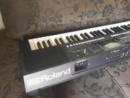 Teclado Roland Ea7