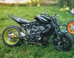 Kawasaki Z750 para pista ou borrachão
