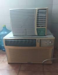 03 Ar condicionados: aparelhos de 10 e 07 mil btus e central Gree de 30 btus