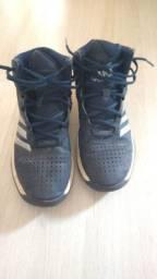 Tênia de basquete da Adidas - 43
