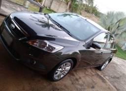 Focus sedan 2012