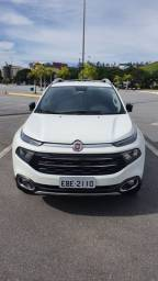 Fiat Toro impecável