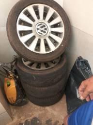 Rodas 15 com pneu ruin
