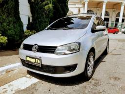 Volkswagen Fox 1.0 Flex Completo Prata 2014 Km Baixo Novidade