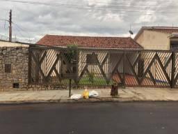 Casa com 3 dormitórios para alugar, 1 m² por R$ 2.400/mês - Vila Rocha - Rio Verde/GO