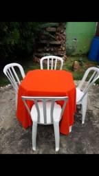 Mesas e cadeiras (LOCAÇÃO)