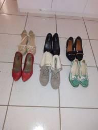 6 pares de calçados semi-novos