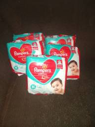 Fralda Pampers M