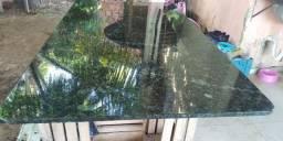 Mesa de granito verde