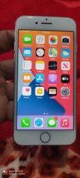 Vendo iPhone 7 32 GB,icloud livre,bateria 87 porcento,parcelo no cartão