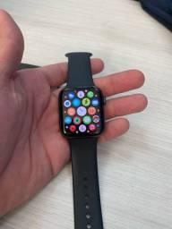 Apple Watch 5 44mm R$2800