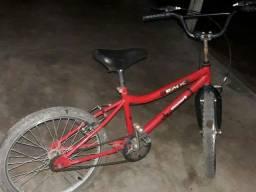 Vendo bicicleta aro 15 valor 250 negociável