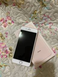 iPhone 8 Plus 64 GB Dourado