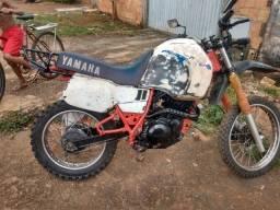 Tenere 600 88 vendo ou troco em moto documentada