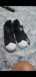 Tênis Adidas slip on 80,00