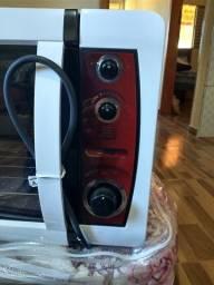 Forno elétrico novo na caixa