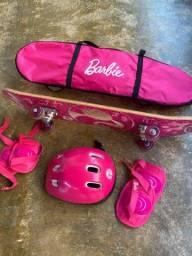 Vende-se Skate temático da Barbie