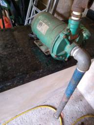 Motor de poço artesiano