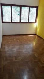 271  -  Apartamento no Vale do Paraíso  -  Teresópolis  -  R.J:.