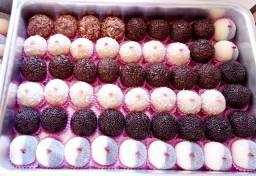 Doces Brigadeiros gourmet caixas da felicidade