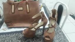Bolsa e sandalia