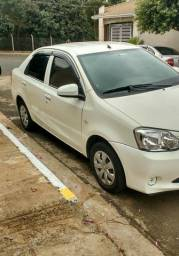 Toyota - Etios X Sedan 1.5 flex 4p 2014/2015 - 2015