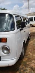 Kombi R$ 24.000,00 - 2009