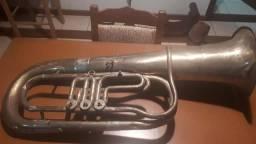 Tuba Bombardino antiga para decoração