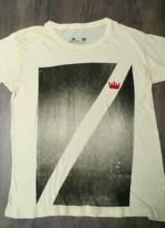 2 Camisetas - Preço de 1