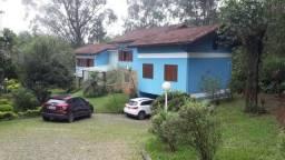 Excelente Casa em Condominio - 05 quartos - Sendo 1 suite- Taquara- Petrópolis -RJ