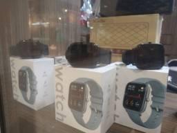 Relógio smartwatch, promoção loja shopping.