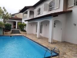 Sobrado para venda com 5 dormitórios sendo 2 suítes na Vila Oliveira em Mogi