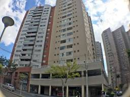 Apartamento 03 dormitórios com cozinha instalada, andar alto, Champagnat - Curitiba