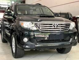 Toyota Hilux Sw4 5 lugares 4P