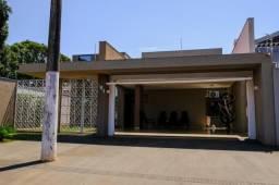 8439 | Sobrado à venda com 3 quartos em Parque Alvorada, Dourados