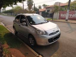 Nissan March S 1.0 FLEX 2011/2012