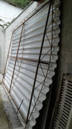 Cobertura com armação em ferro - Tamanho 2,65 por 4,00