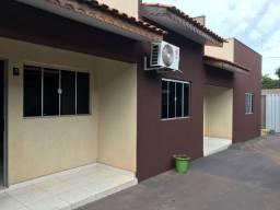 Casa em Condomínio Fechado de 1 quarto toda no Blindex