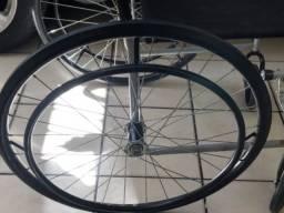 Cadeira de rodas seminova!