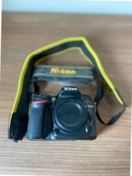 Camera D7200 Corpo