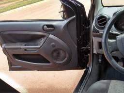 Fiesta Sedan 2009 1.0