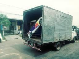 Mudanças com caminhão baú bem equipado. Mudanças locais ou viagens com bom preço