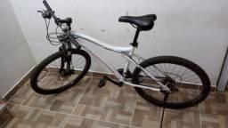 Bicicleta Ozark - Aro 26 e 21 marchas - Freios a disco